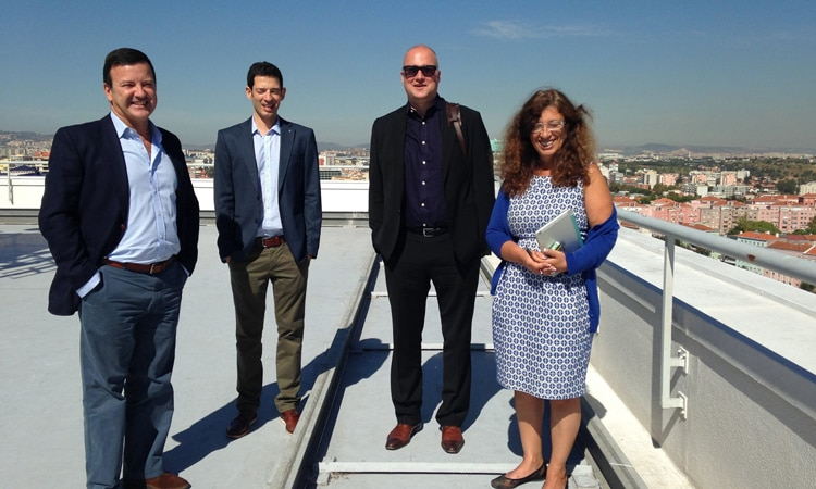 Dan Costa, segundo da direita, no Instituto Superior Técnico em Lisboa.
