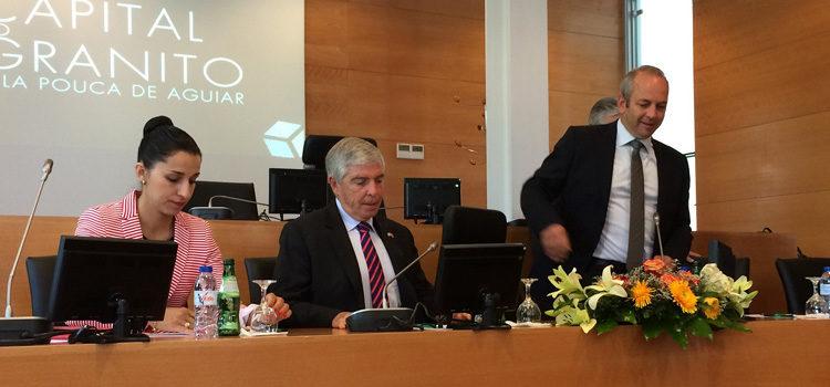 Embaixador Sherman com o Presidente da Câmara de Vila Pouca de Aguiar, à sua esquerda.