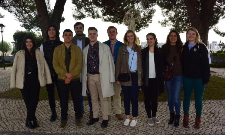 O grupo de estudantes SiPN na Embaixada
