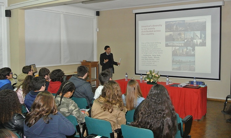 Public Affairs Officer presentation in Santarem school