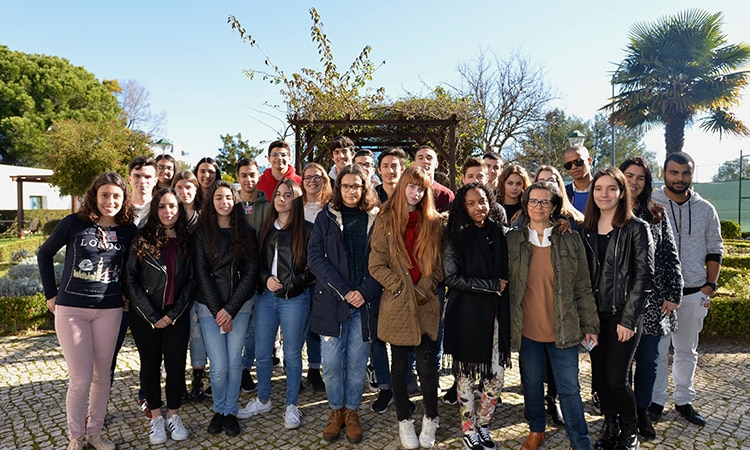 Loures students group photo